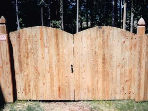 Gate Double Vertical Board